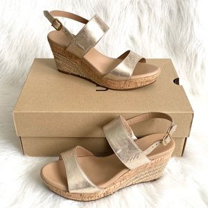 💖 NIB UGG Metallic Gold Platform Wedge Sandals 9